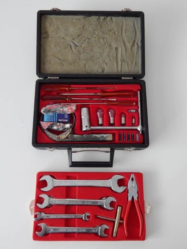 Ferrari 365 400 512 Briefcase Tool Kit