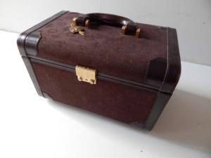 Ferrari 1970s Cavallino Luggage Vanity Case